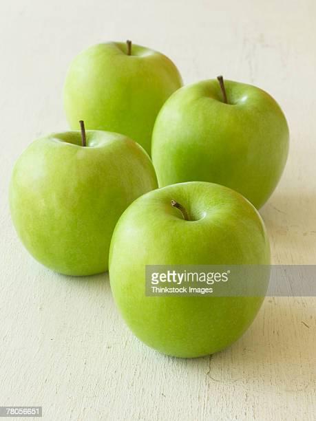 apples - thinkstock stock-fotos und bilder