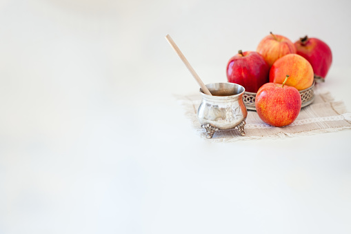 Apples, pomegranate and honey for Rosh Hashanah 1167934856