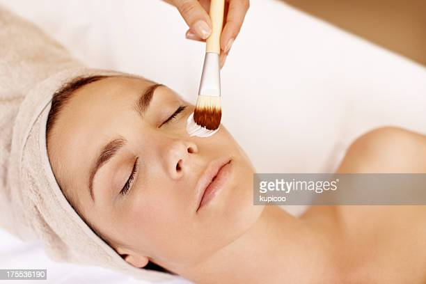 Applying a purifying beauty treatment