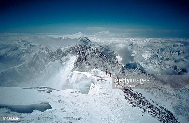 approaching the summit - mount everest - mt. everest stock pictures, royalty-free photos & images