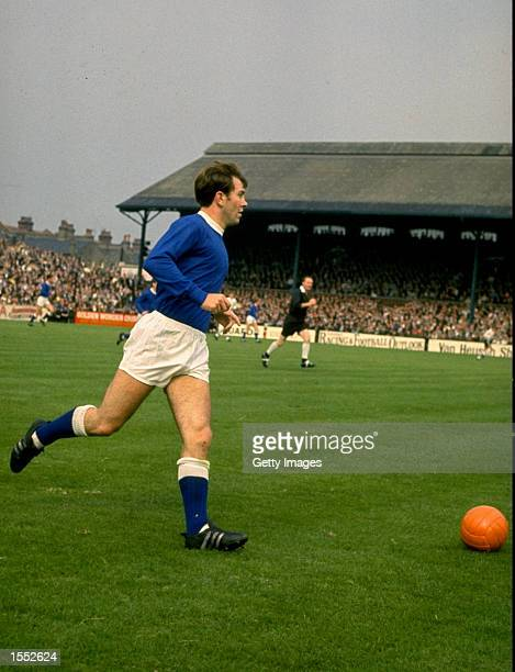 Howard Kendall of Everton in action during a league match in 1968. \ Mandatory Credit: Allsport UK /Allsport