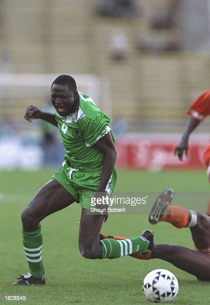 Rasheed Yekini of Nigeria in action during the African Cup of Nations SemiFinal against the Ivory Coast at the Olympic Stadium in El Menzah Tunis The...