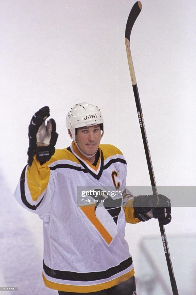 Mario Lemieux Penguins : News Photo
