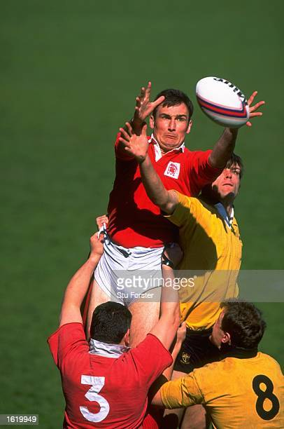 Rugby union players jump for a line out ball. \ Mandatory Credit: Stu Forster /Allsport