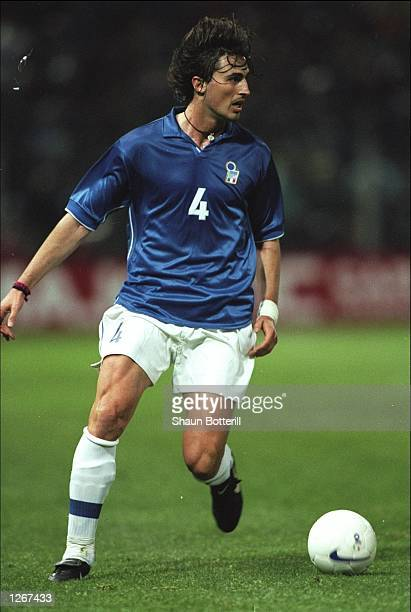 Dino Baggio of Italy on the ball during the friendly against Paraguay at the San Paolo Stadium in Naples, Italy. Italy won 3-1. \ Mandatory Credit:...