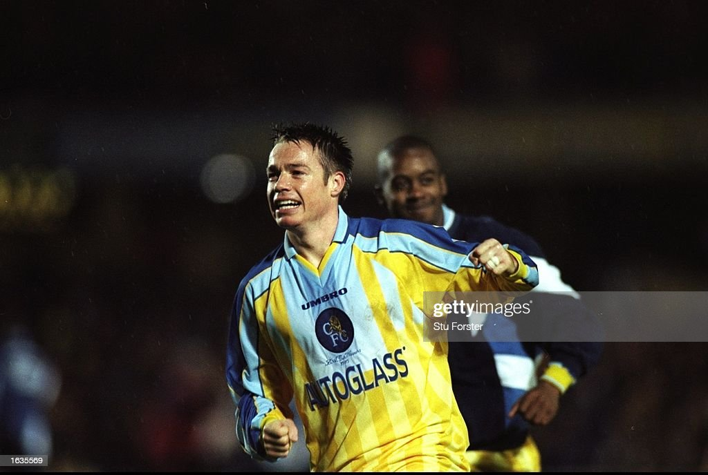 Graeme Le Saux of Chelsea in action : News Photo
