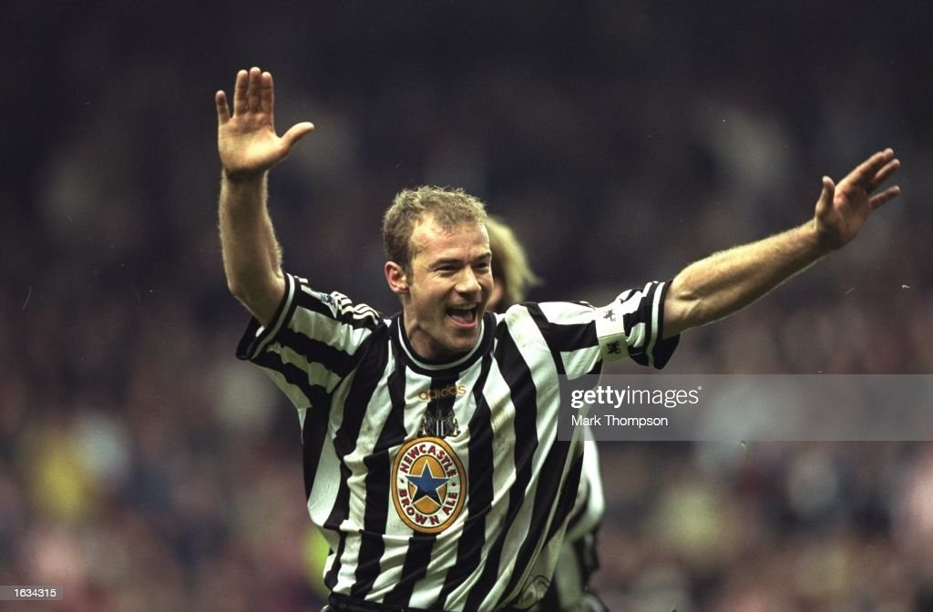 Alan Shearer celebrating scoring a goal : News Photo