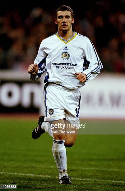 Andrii Shevchenko of Dynamo Kiev trots forward against Bayern Munich in the UEFA Champions League semifinal second leg match at the Olympiastadion in...