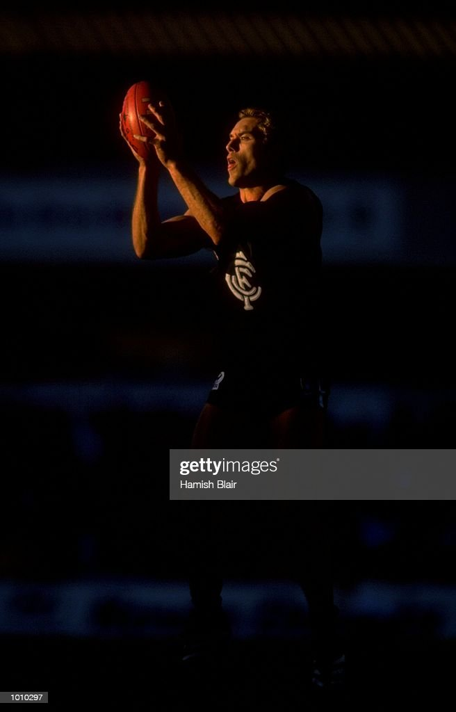 Anthony Koutoufides of the Carlton Blues in action during the AFL Premiership Round 5 match against the Geelong Cats at the Optus Oval, Melbourne, Australia. The Geelong Cats (115) defeated the Carlton Blues (65). \ Mandatory Credit: HamishBlair /Allsport