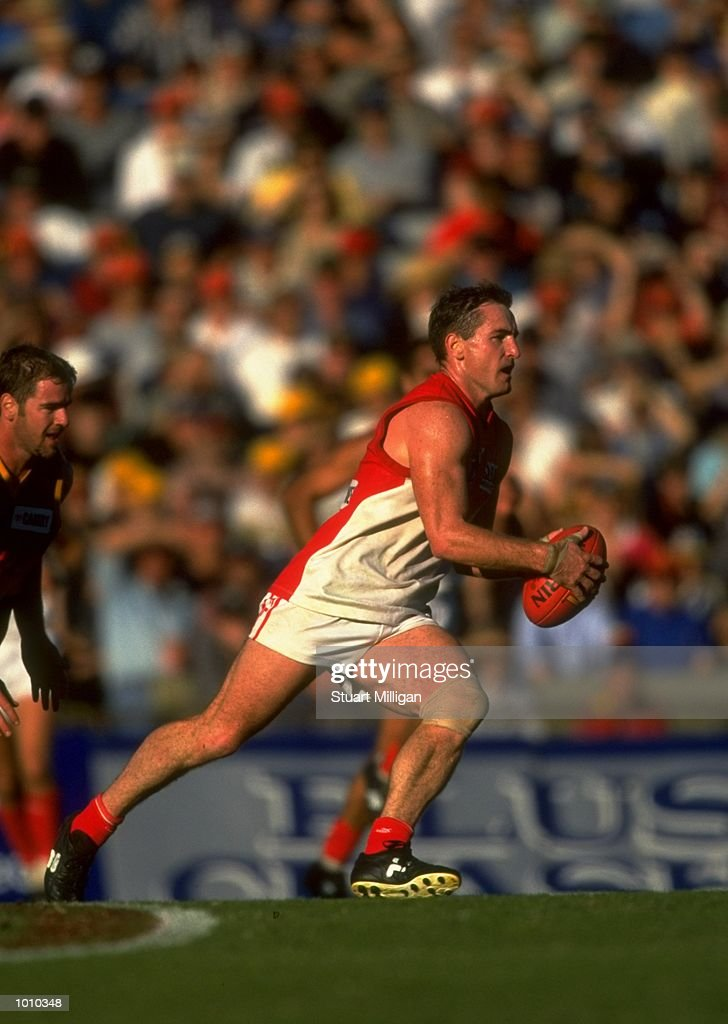 Daryn Cresswell of the Sydney Swans in action during the AFL Premiership Round 5 match against the Adelaide Crows at Football Park, Adelaide, Australia. The Anzac Day game finished with the Adelaide Crows (155) defeating the Sydney Swans (74). \ Mandatory Credit: Stuart Milligan /Allsport
