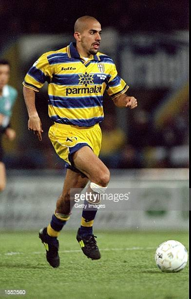Juan Veron of Parma on the ball in the Serie A match against Fiorentina at the Ennio Tardini Stadium in Parma Italy The game ended 11 Pic Claudio...