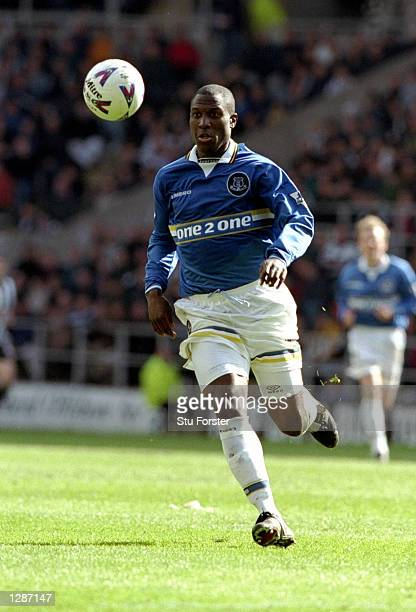 Kevin Campbell of Everton on the ball against Newcastle United in the FA Carling Premiership match at St James Park in Newcastle England Campbell...