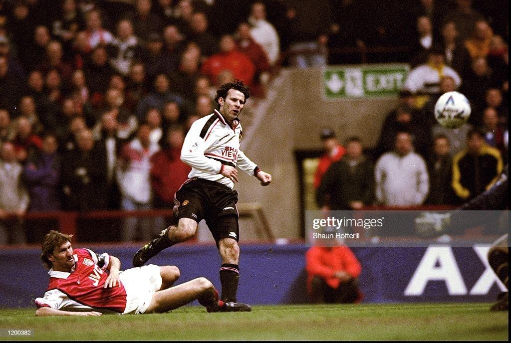 Ryan Giggs of Manchester United : News Photo