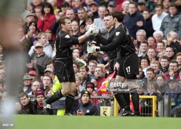 A goalkeeping substitution for Manchester United as Raimond van der Gouw comes on to replace Andy Goram during the FA Carling Premiership match...