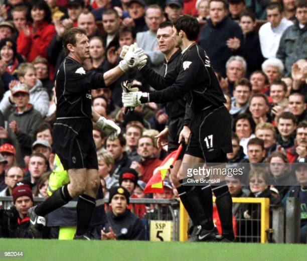Andy Goram of Man Utd is substituted by Raimond van der Gouw during the Manchester United v Coventry City FA Carling Premiership match at Old...