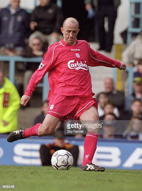 Gary McAllister of Liverpool shoots to score with a 30 yard free kick during the FA Carling Premier League match against Coventry City at Highfield...