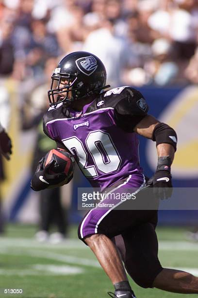 John Avery of the Chicago Enforcers runs upfield against the Los Angeles Xtreme at Memorial Coliseum in Los Angeles California DIGITAL IMAGE...