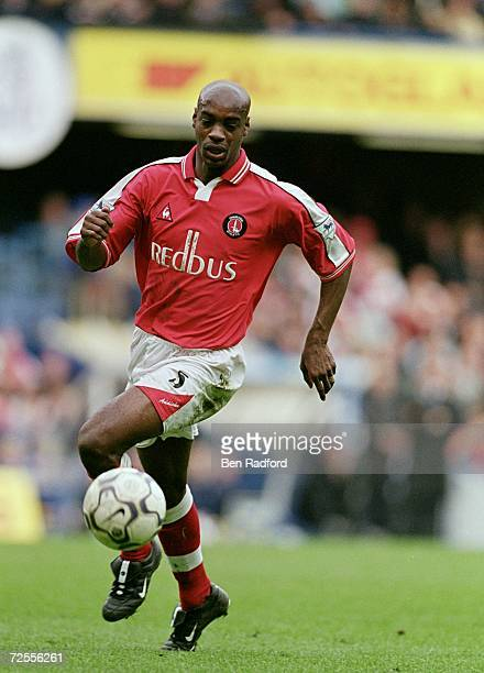 Richard Rufus of Charlton Athletic runs with the ball during the FA Carling Premiership match against Chelsea played at Stamford Bridge in London...