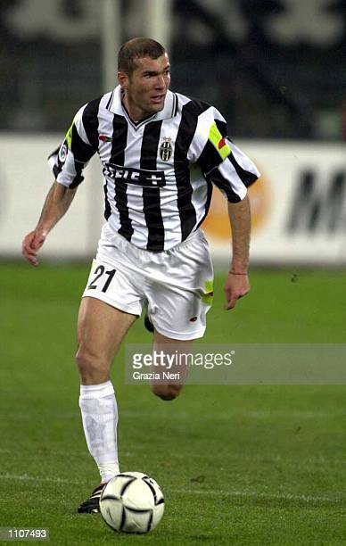Zinedine Zidane of Juventus in action during the Serie A match between Juventus and Inter Milan at the Delle Alpi Stadium Turin Italy Mandatory...
