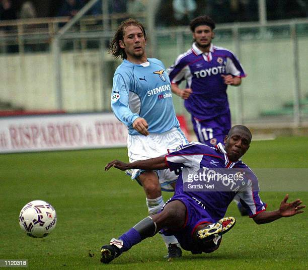 Amaral of Fiorentina and Gaizka Mendieta of Lazio in action during the Serie A match between Fiorentina and Lazio played at the Artemio Franchi...