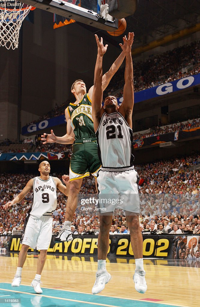 apr-2002-brent-barry-of-the-seattle-supe