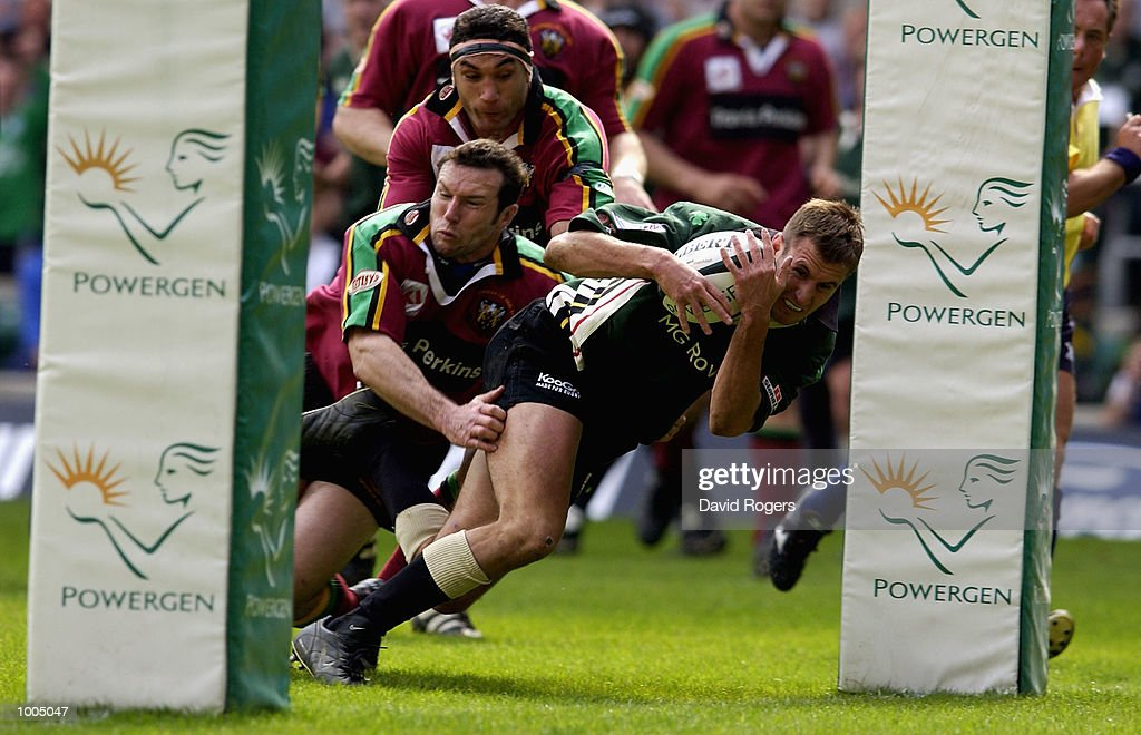 Geoff Appleford of London Irish goes over to score the opening try during the Powergen Cup Final between Nothampton Saints and London Irish at Twickenham, London. DIGITAL IMAGE. Mandatory Credit: Dave Rogers/Getty Images