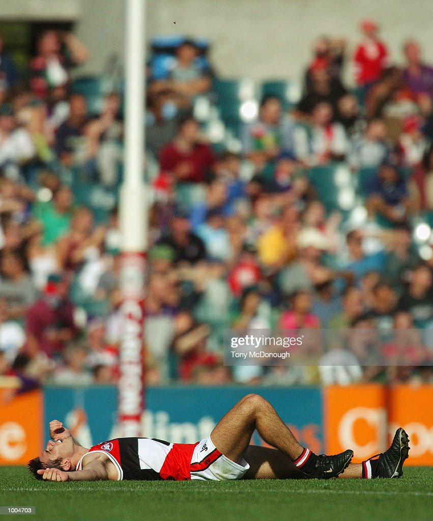 Heath Black #6 for St Kilda is dejected at the end of the round two AFL match between the Fremantle Dockers and St Kilda Saints played at Subiaco Oval in Western Australia.Mandatory Credit: Tony McDonough/Getty Images