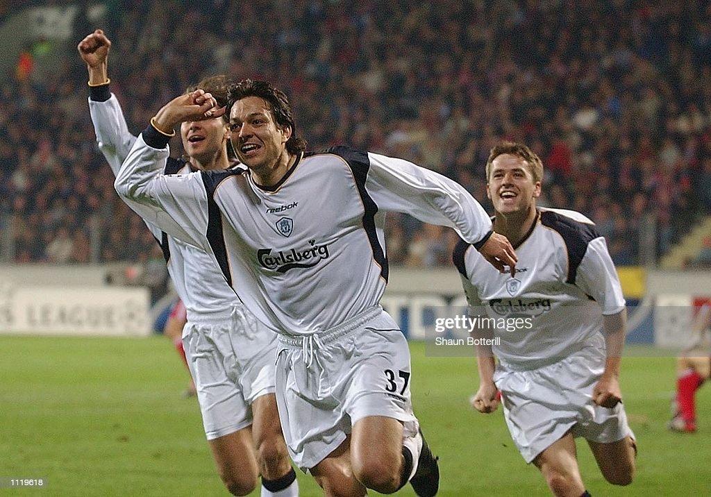 Bayer v Liverpool X : News Photo