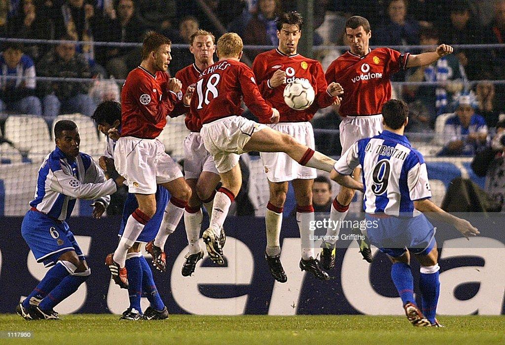 Deportivo v Man U X : News Photo