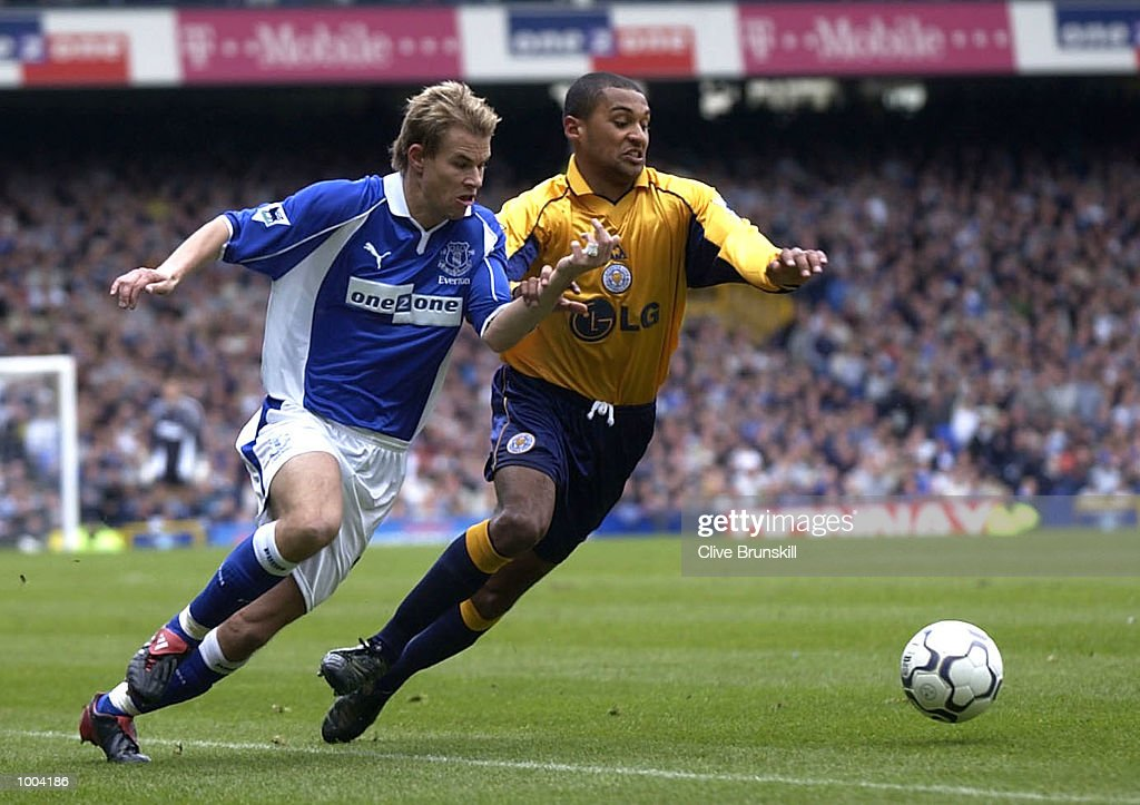 Niclas Alexandersson of Everton chases the ball under pressure from Matthew Piper of Leicester during the Everton v Leicester City FA Barclaycard Premiership match at Goodison Park, Everton. DIGITAL IMAGE Mandatory Credit: CLIVE BRUNSKILL/Getty Images