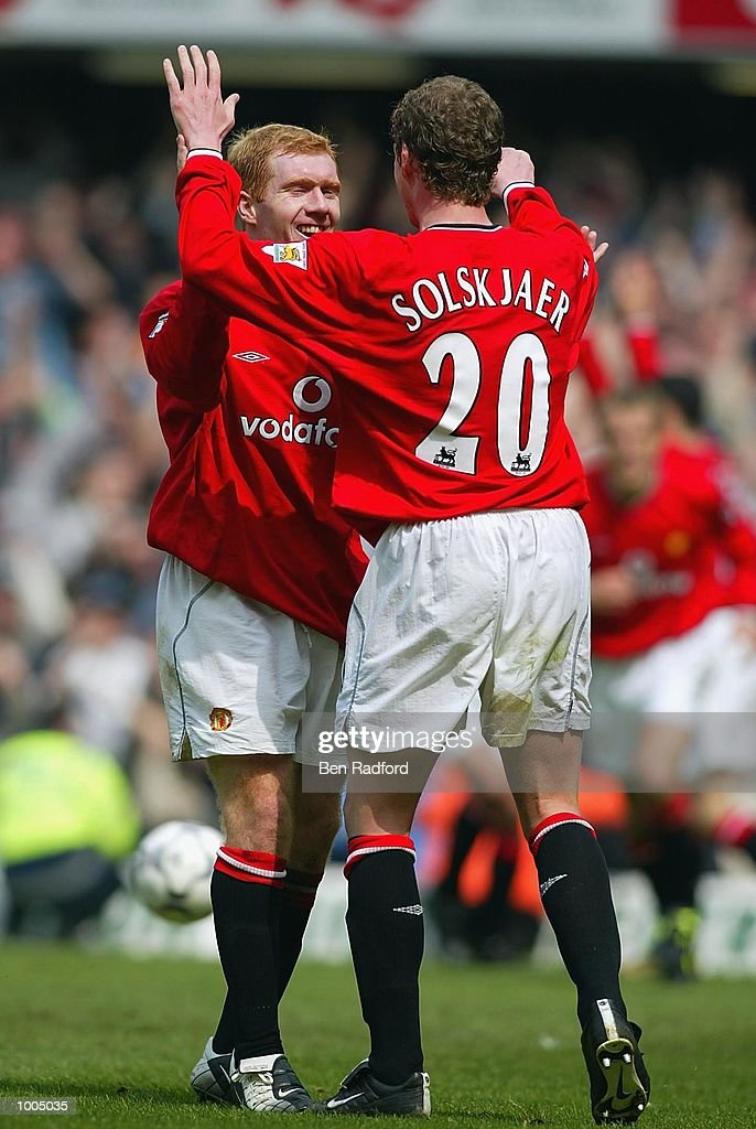 Ole Gunnar Solskjaer of Manchester United celebrates scoring the 3rd goal during the FA Barclaycard Premiership match between Chelsea and Manchester United at Stamford Bridge, London. DIGITAL IMAGE Mandatory Credit: Ben Radford/Getty Images