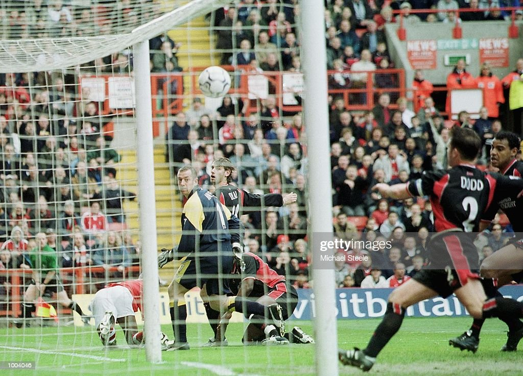 Paul Jones the Southampton Keeper looks on as Richard Rufus of Charlton scores the opening goal during the FA Barclaycard Premiership match between Charlton Athletic and Southampton at The Valley, London. DIGITAL IMAGE. Mandatory Credit: Michael Steele/Getty Images