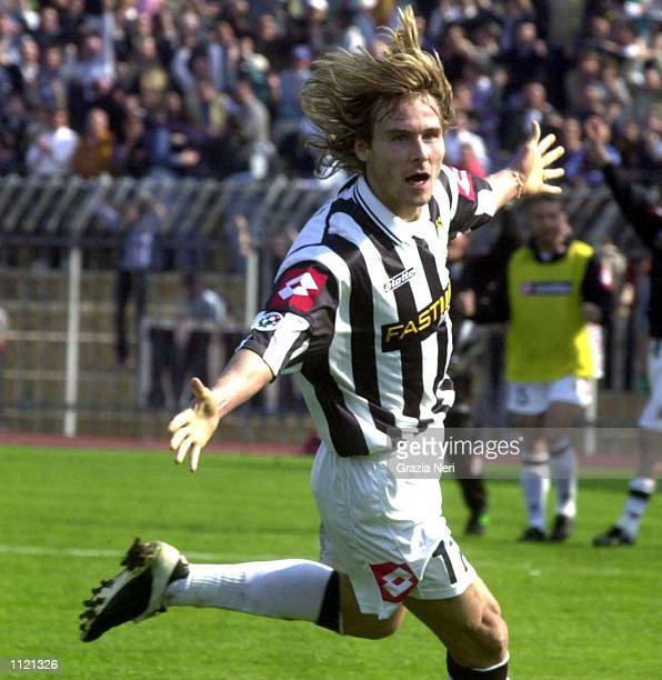 Pavel Nedved of Juventus celebrates scoring the winning goal during the Serie A match between Piacenza and Juventus played at the Leonardo Garilli...