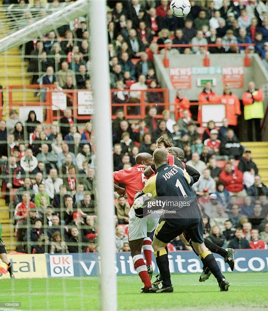 Richard Rufus of Charlton heads the ball past the Southampton defence to score the opening goal during the FA Barclaycard Premiership match between Charlton Athletic and Southampton at The Valley, London. DIGITAL IMAGE. Mandatory Credit: Michael Steele/Getty Images