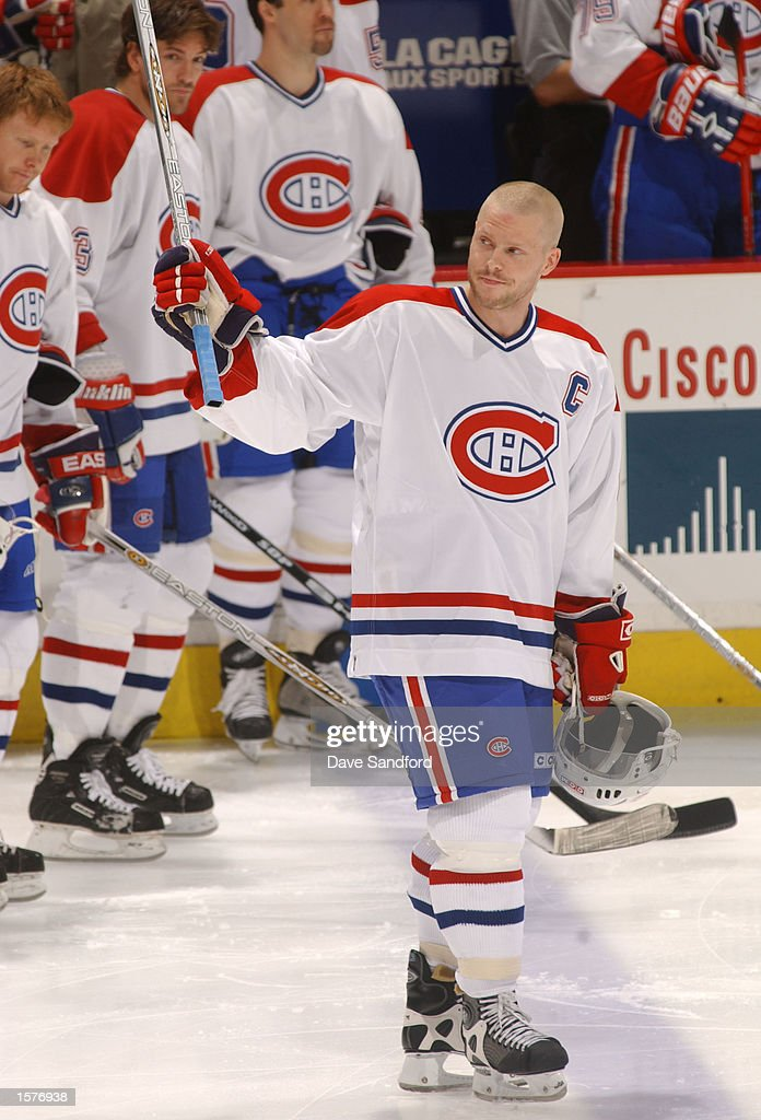 44adc5066 Saku Koivu of the Montreal Canadiens waves to the crowd as he ...