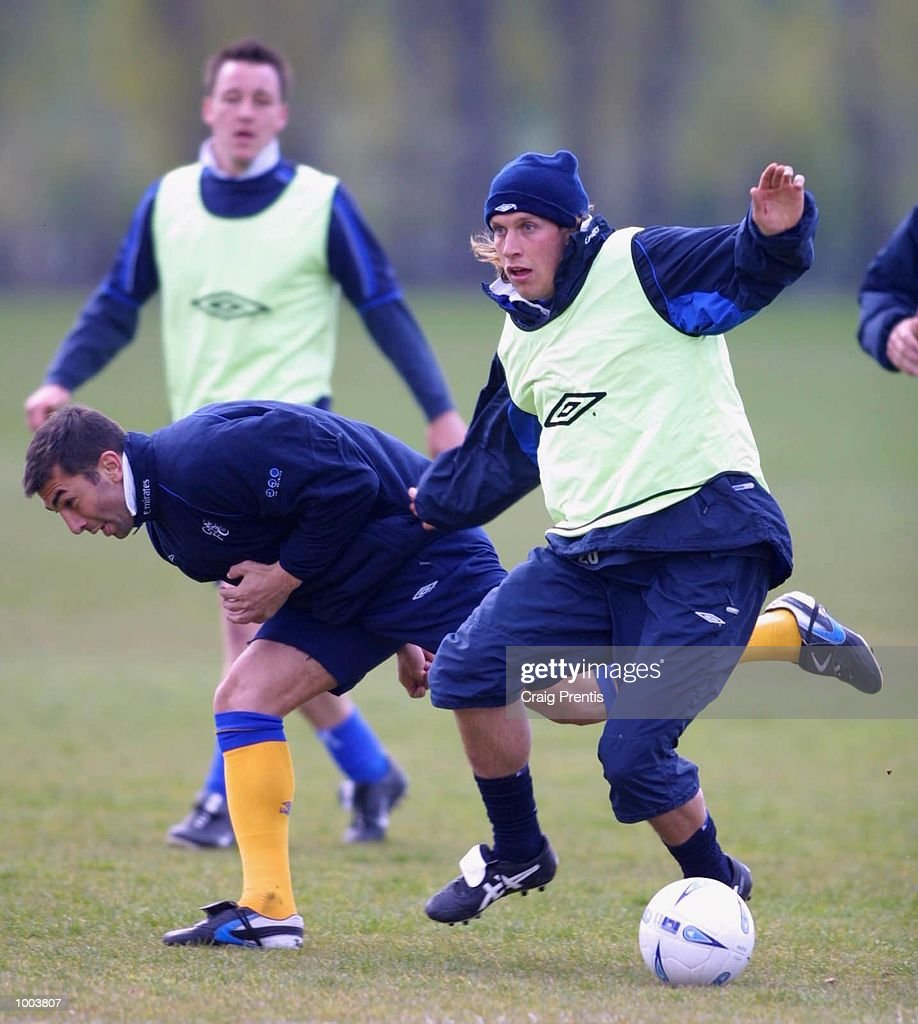 Sam Dalla Bona and Roberto di Matteo of Chelsea during a training session at Chelsea's training ground near Heathrow in London, as the team prepare for Sunday's FA Cup semi-final match against Fulham at Villa Park. DIGITAL IMAGE Mandatory Credit: Craig Prentis/Getty Images