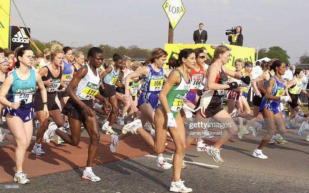 The start of the Womans Elite during the Flora London Marathon, Blackheath, London. DIGITAL IMAGE. Mandatory Credit: Jamie McDonald/Getty Images