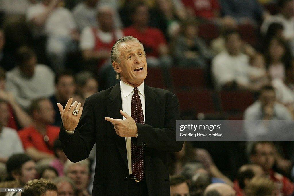 NBA: Bulls Beat Heat 96-91 : News Photo