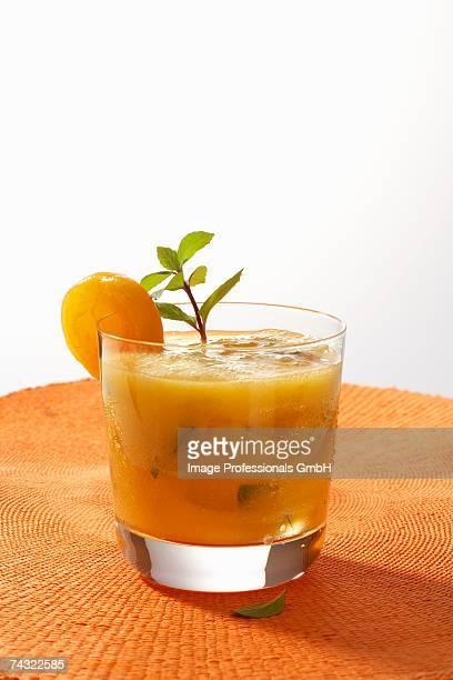 Apricot mojito