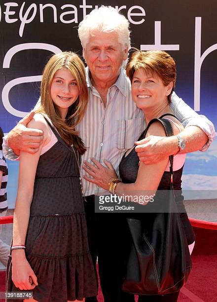 April 18 2009 Hollywood Ca Barry Bostwick wife Sherri Jensen and daughter Chelsea Earth World Premiere Held at the El Capitan Theatre