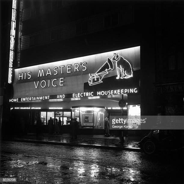 Hmv pictures and photos getty images record label logo for victrola rca victor showing the dog nipper looking into the horn of gumiabroncs Image collections