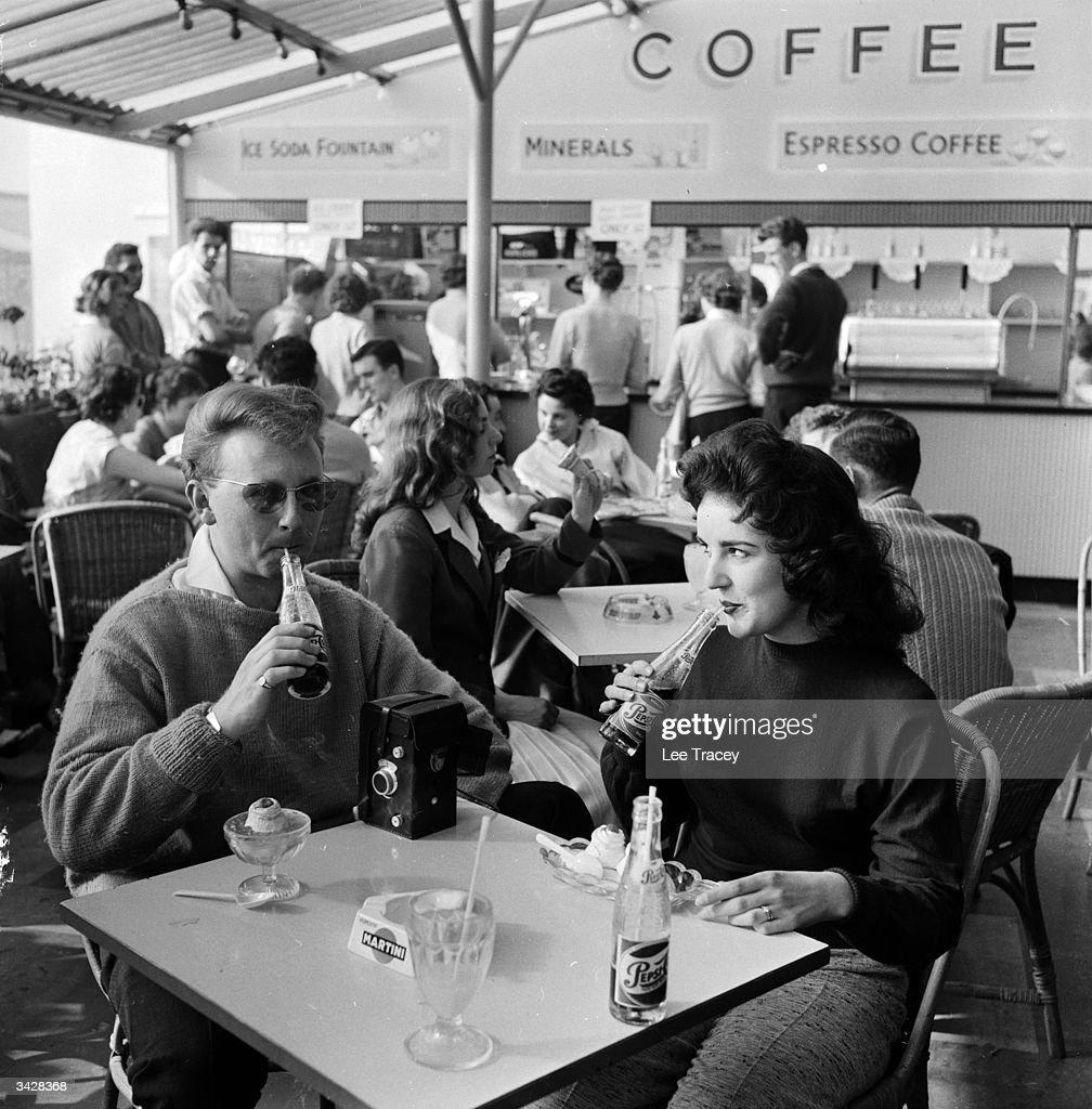 Coffee Bar : News Photo