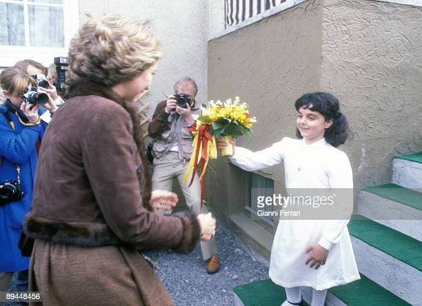 April 1982 Oslo Norway Official visit of the Kings of Spain Juan Carlos I and Sofia to Norway A girl offering flowers to the Reina Sofia