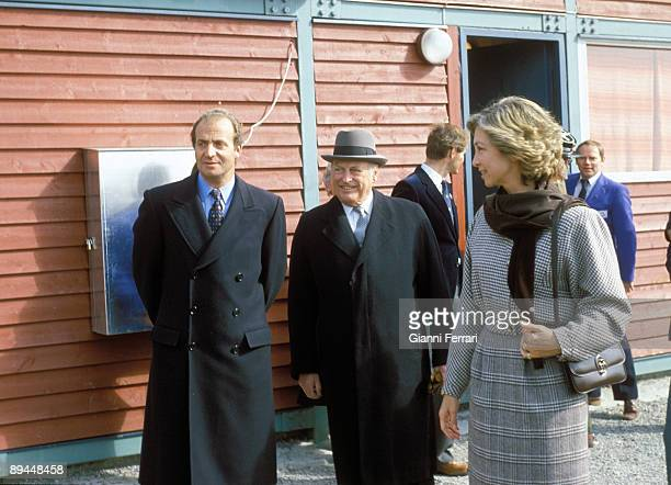 April 1982 Oslo Norway Official visit of the Kings of Spain Juan Carlos I and Sofia to Norway Kings of Spain with King Olav V of Norway