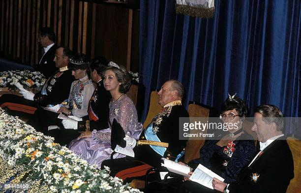 April 1982 Oslo Norway Official visit of the Kings of Spain Juan Carlos I and Sofia to Norway Kings of Spain with King Olav V of Norway at Congress...