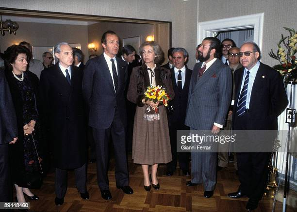 April 1982 Oslo Norway Official visit of the Kings of Spain Juan Carlos I and Sofia to Norway In the picture the Kings of Spain at the Spain House