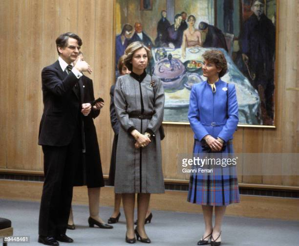 April 1982 Oslo Norway Official visit of the Kings of Spain Juan Carlos I and Sofia to Norway In the picture the Queen Sofia and the Princess Sonia...