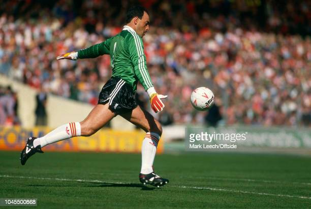04 April 1987 Football League Cup Final Arsenal v Liverpool Liverpool goalkeeper Bruce Grobbelaar