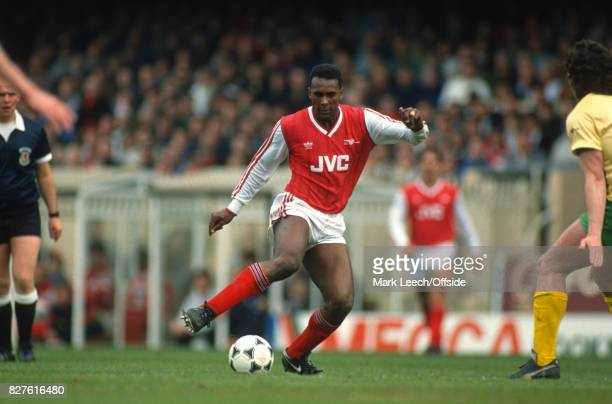04 April 1988 Football League Division One Arsenal v Norwich City David Rocastle of Arsenal on the ball Photo Mark Leech / Getty Images