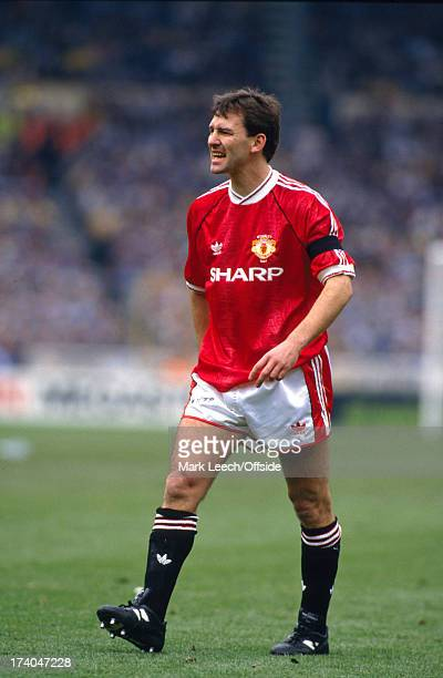 21 April 1991 Football League Cup Final Manchester United v Sheffield Wednesday Bryan Robson looking annoyed